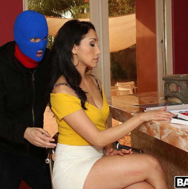BangBrosClips.com BangBros.com: Vicki Chase's Anal Surprise Starring: Vicki Chase