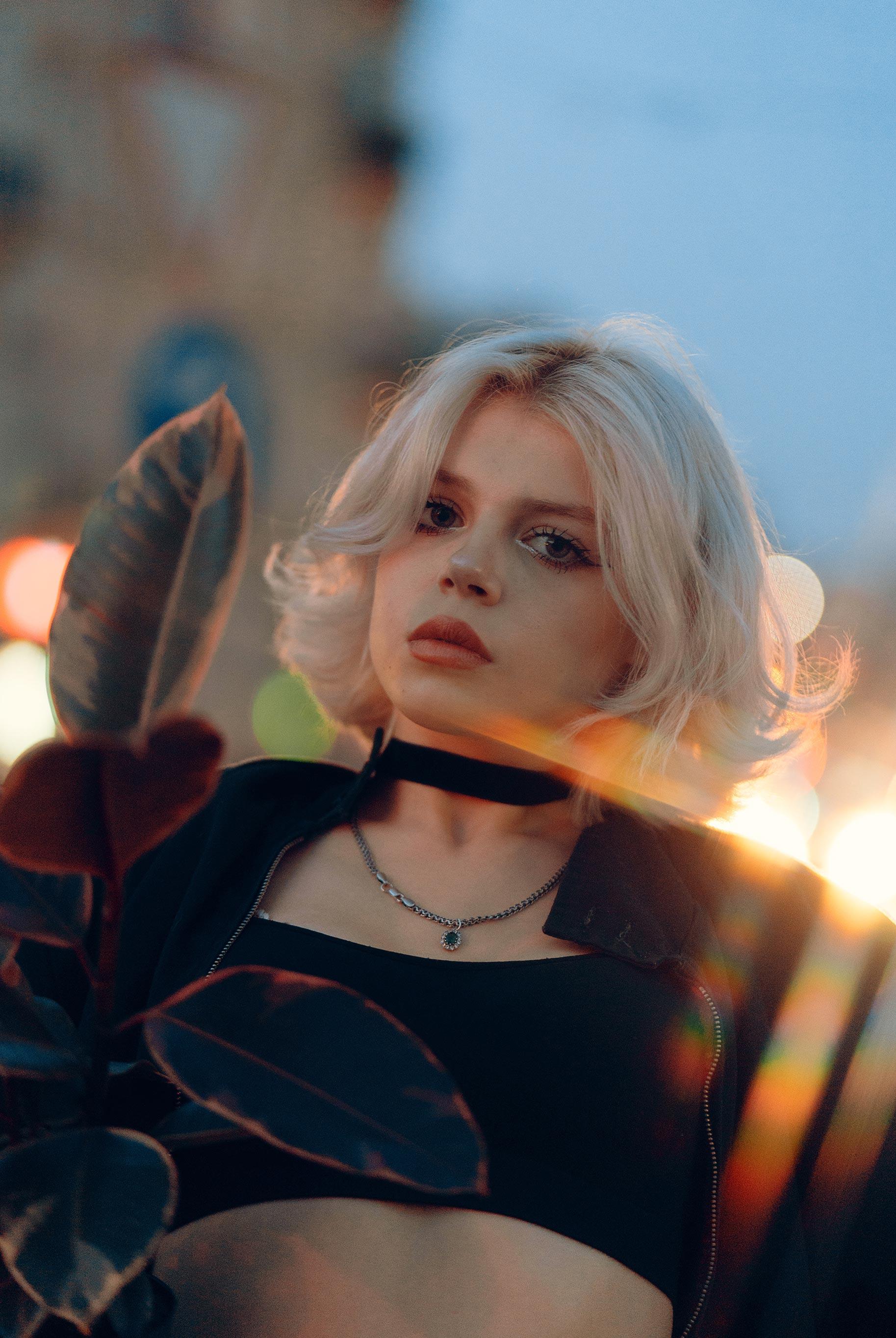 Матильда из фильма Леон на улицах Львова / фото 10
