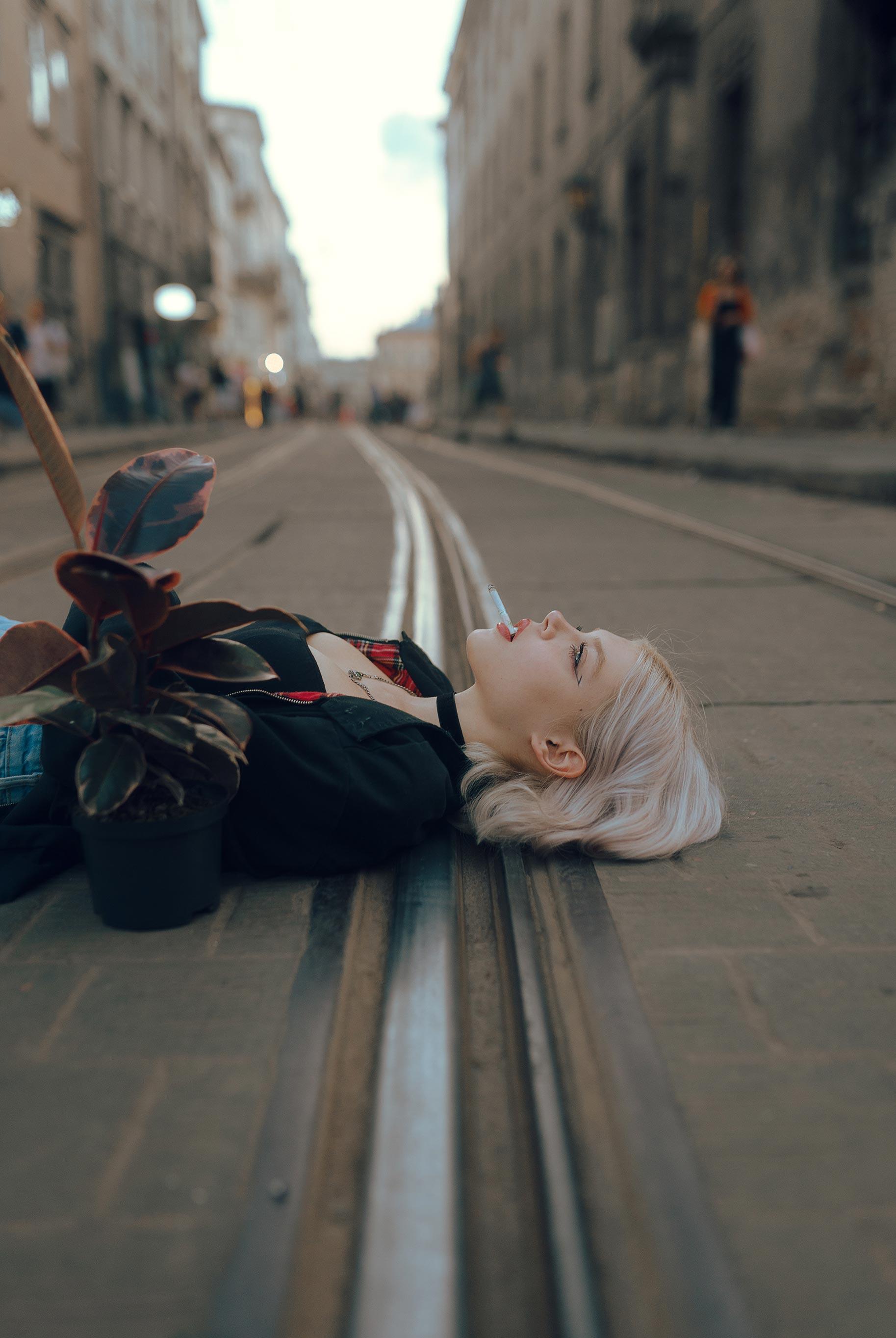 Матильда из фильма Леон на улицах Львова / фото 11