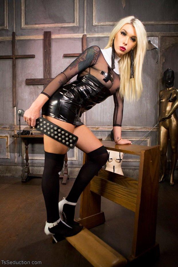 TsSeduction/Kink: Aubrey Kate, Pierce Paris - Sister Aubrey Kate Punishes Priest Pierce Paris [HD 720p] (Transsexuals)