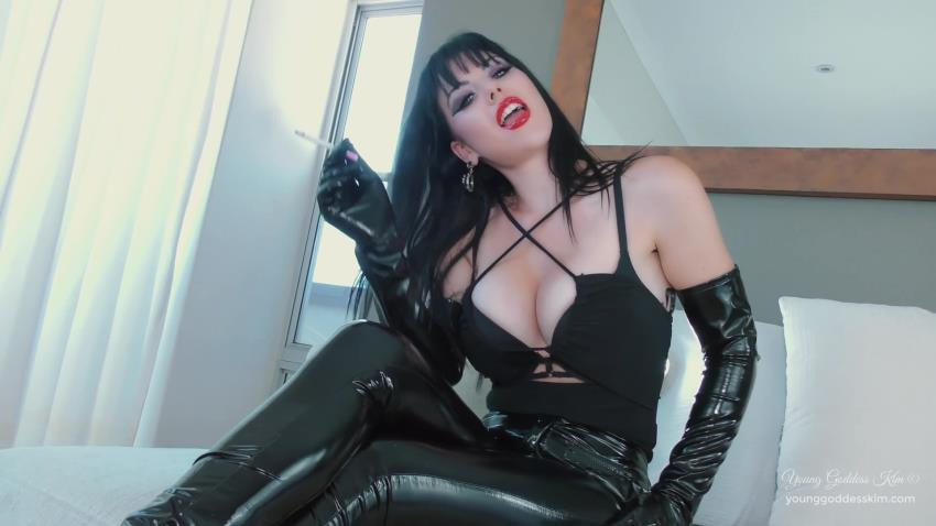 Young Goddess Kim / Clips4sale: Young Goddess Kim - Suffer for your Addiction [FullHD 1080p] (340 MB)