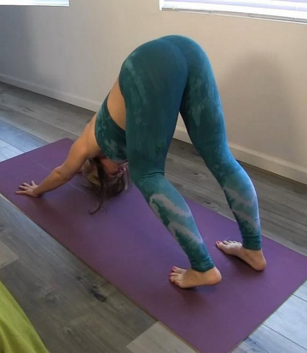 Sarah Vandella - Hot Yoga With Step Mom [HD 720p] 2021